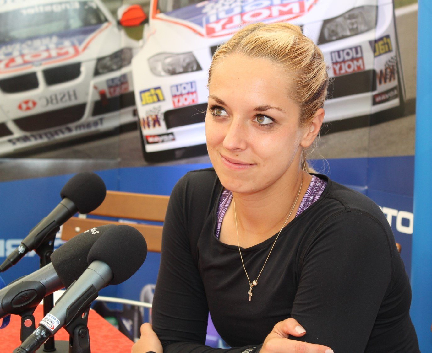 _absolutely_free_photos_original_photos_sabine-lisicki-smile-in-press-conference-4272x2848_24195